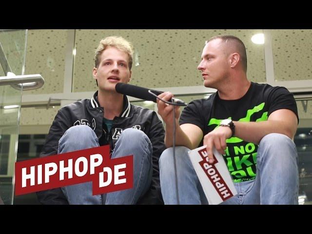 Weekend über seine Erfahrung mit Ausländerfeindlichkeit (Interview)