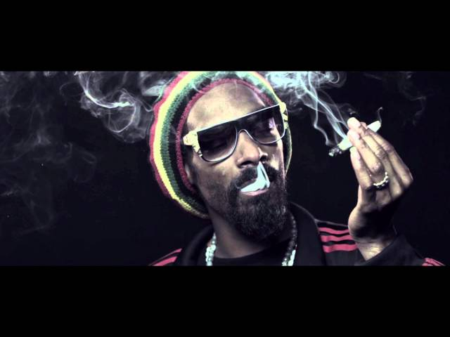 Snoop Dogg, Wiz Khalifa - French Inhale