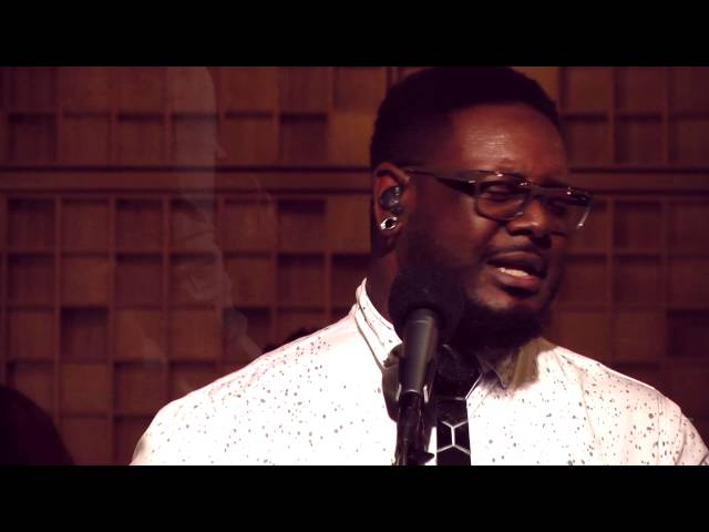T-Pain - Officially Yours (live)