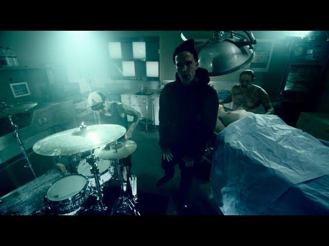 Travis Barker, Yelawolf - Whistle Dixie